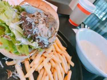 【bondolfi boncaffē(ボンドルフィ ボンカフェ)赤坂】ローマで誕生した160年以上愛され続ける老舗店のハンバーガー