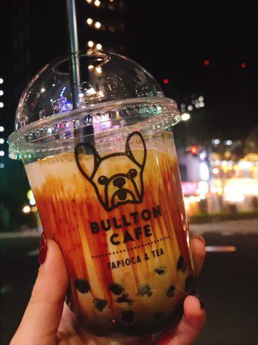 【bullton cafe(ブルトンカフェ)】築地でタピオカドリンク。麻辣麻婆麺と併設してるお店。