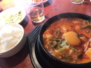 【からくに家 芝大門店】とにかくスープが旨辛い韓国料理店。